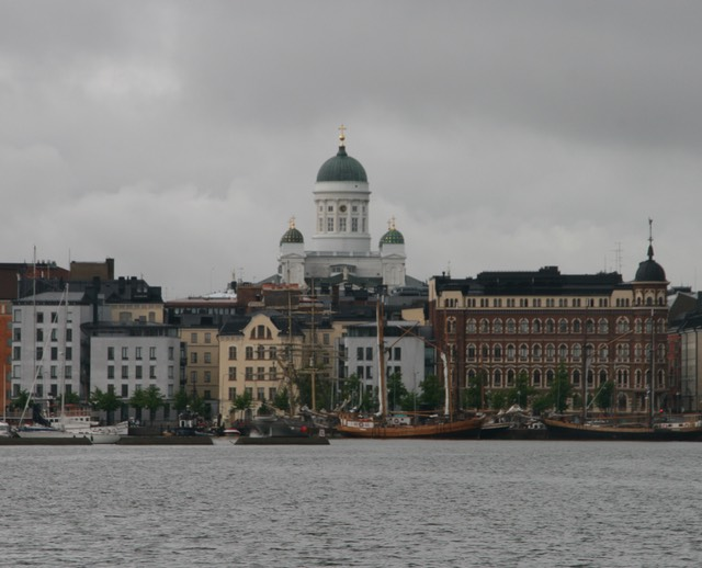 061712 15 Heading into Helsinki Harbour