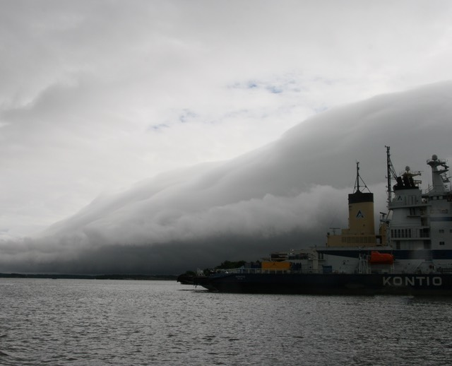 061712 20 Heading into Helsinki Harbour The Storm Front we we running in front of