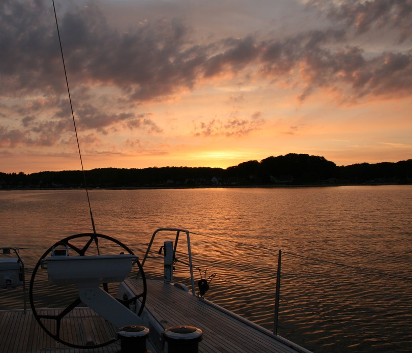 070212 11 Beautiful sunset for our last night on anchor