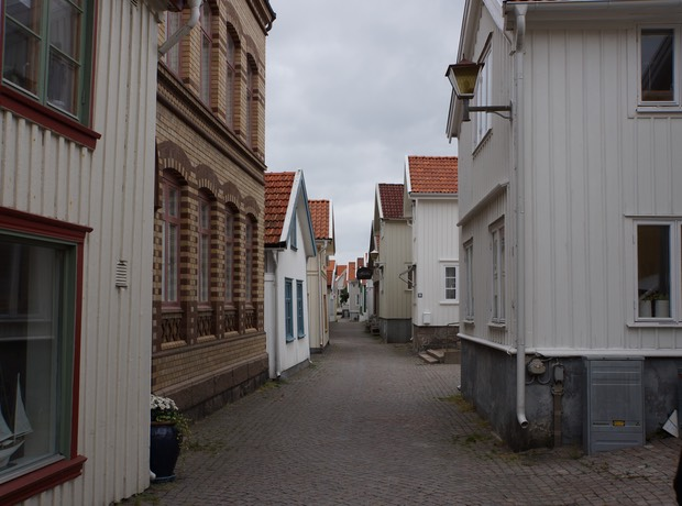 090513 6 Walking the old town of Lysekil