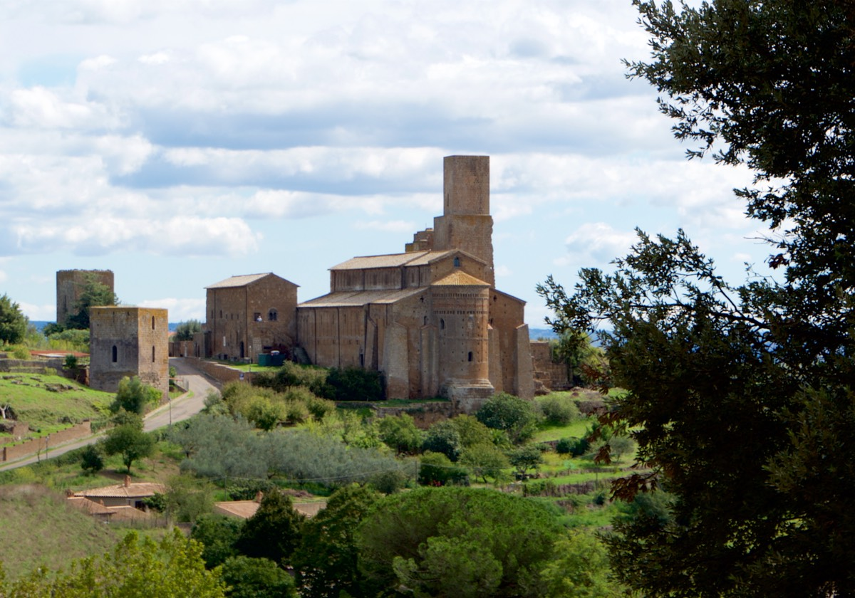 170920 6 Lunch Stop Tuscania Church of San Pietro